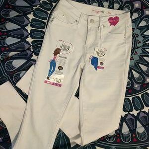 White Fashion Nova (YMI) Mid-rise Jeans